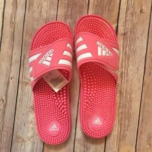 New in box Adidas Adissage pink sandals size 10